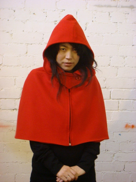 Little Red Riding Hood Cape ----------  BESTSELLER - FREE SHIPPING WORLDWIDE - FREE GIFT