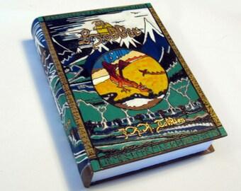Hidden safe box, hollow book - The Hobbit Classic hideaway book box.  Secret compartment.