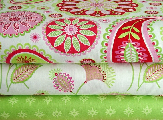 Pillow and Maxfield Gypsy Bandana Collection Paisley in White and White Flowers and Firefly Yard Bundle