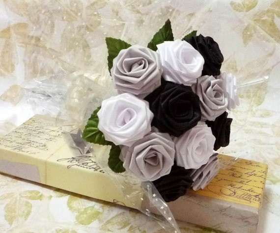 Origami Black and White Rose Bouquet (1 Dozen Gift Wrapped)
