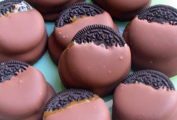Chocolate & Caramel Covered Oreo Cookies