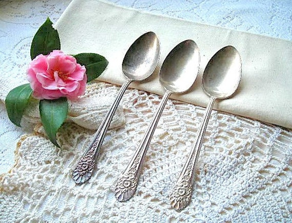silver serving spoons - vintage wm rogers silverware - shabby chic cottage decor - hollywood regency dinnerware