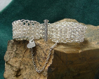 Chainmaille Wide Loop in Loop Bangle Bracelet 8 1/4 Inches in Length
