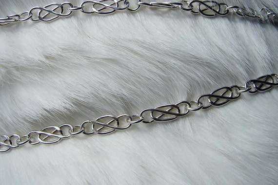 "Sterling Silver Vintage-Style ""Trapped"" Oval Link Bracelet 7 3/4 Inches in Length"