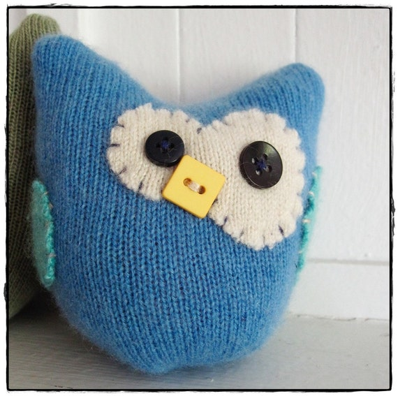 Reccycled CASHMERE Little hOOt Owl (blue)