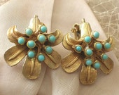 Vintage Faux Turquoise Flower Earrings Clip Ons Clips