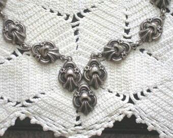 Vintage Art Nouveau Etruscan Reposse' Flower Necklace