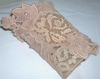 Romantic Vintage Victorian Guipure Lace Cuff Vintage Net Lace Bridal Cuff Wristlet
