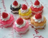 SALE Cute Creamy Strawberry miniature cake Set 6pcs