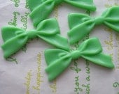 Plain Tied bow cabochons 4pcs Light Green