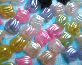 Tulip flower Pearlized cabochons 60pcs
