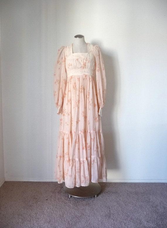 Vintage 70s Peach GUNNE SAX Floral Print Maxi Hippie Dress S