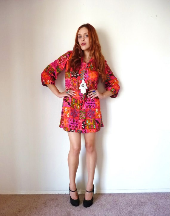 Vintage 60s Pink PSYCHEDELIC COLLARED Mini Dress M