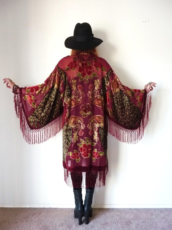 how to wear vintage fringed kimono