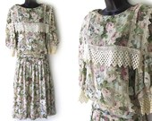 80s Ivory with Pastel Floral Print and Lace Trim Drop Waist Dress L