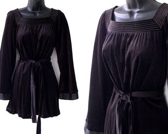 70s Bell Sleeve Black with Silver Topstitching Velveteen Belted Blouse M L