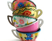 RESERVED-Vintage Toy cups, Set of 5 tin with litho, Instant Collection in florals, Ohio Art. RESERVED for Saridi