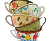 Toy Tea cups, Set of 5 vintage tin with flowers, Instant Collection.