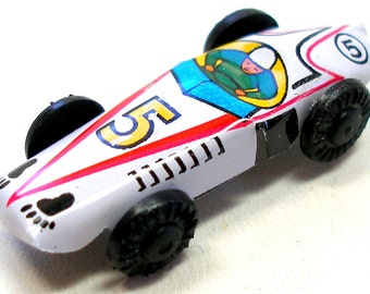 1960s Tin Toy CAR in white, Mini Japanese racer number 5. Vintage fun.