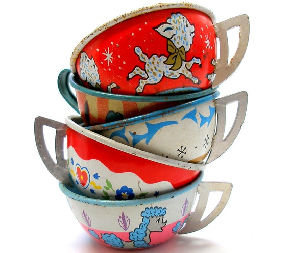 Tin Toy tea cups in red, white & blue, Set of 5 with litho, Instant Collection by Ohio Art.