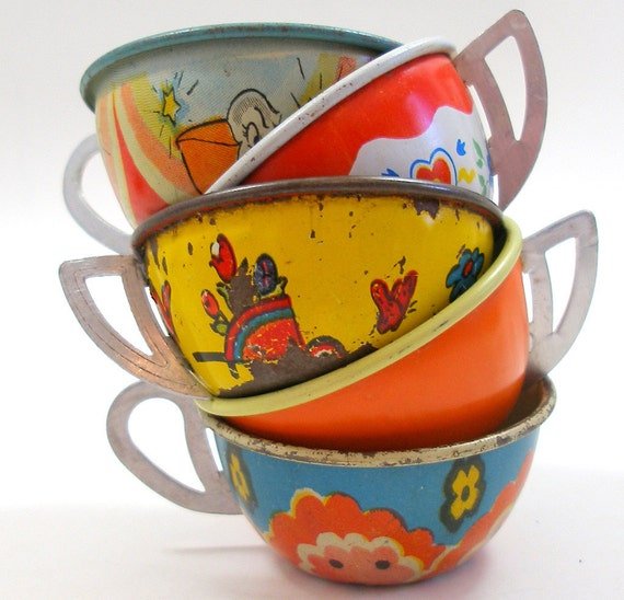 5 Tin Toy Tea cups in yellow, blue & orange litho, Instant Collection.