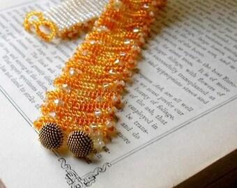 Topaz and Cream beaded bracelet