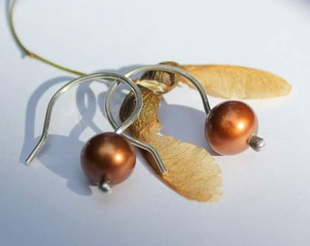 Autumn brown freshwater Pearls on sterling silver Hammered Hoop