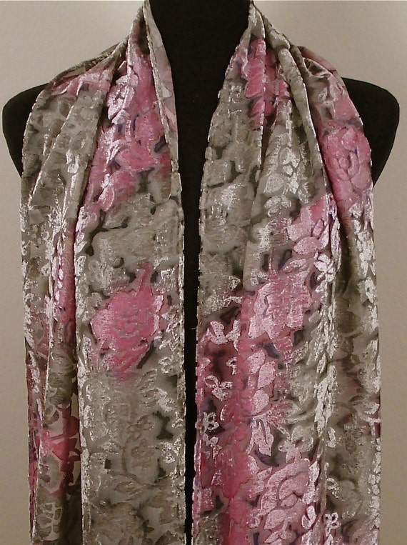 Cut Velvet  Shawl in Dusty Rose and Silver