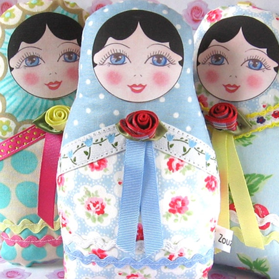 Babushka Doll, Cloth Nesting Doll, Matryoshka Plush, Fabric Russian Doll, Doll with black hair, Stuffed Cloth Doll - Small size