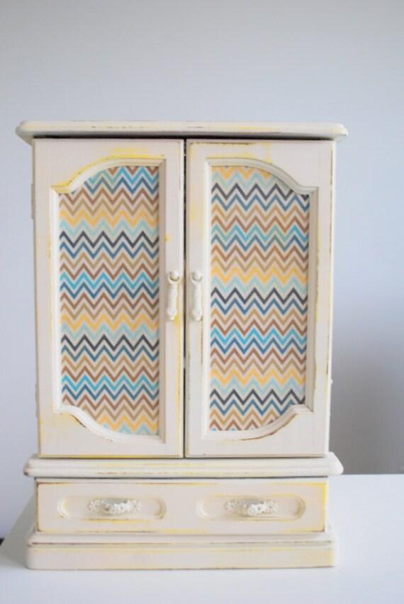 Refurbished Vintage Jewelry Box - Medium Bright Chevron