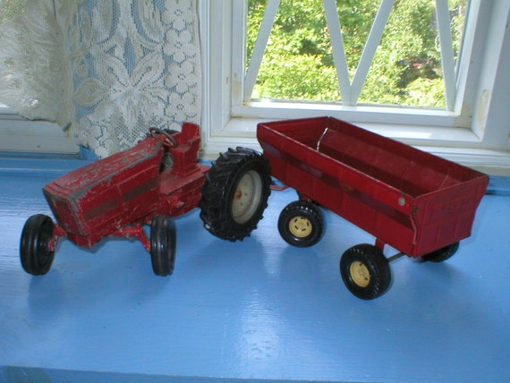 Vintage Farm Tractor And Wagon Ertl International Toy 1960s 1970s