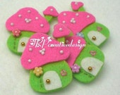 DOUBLE LAYERS Mushroom House Felt Applique (Green Pink) - set of 4 pcs