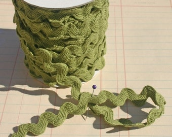 "Rick Rack Olive Green - Jumbo Cotton Sewing Ric Rac Trim - 11/16"" Wide"