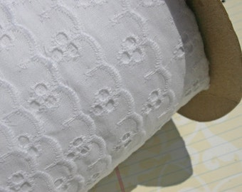 "White Eyelet Lace - Broderie Anglaise - Sewing Trim - 1"" Wide"