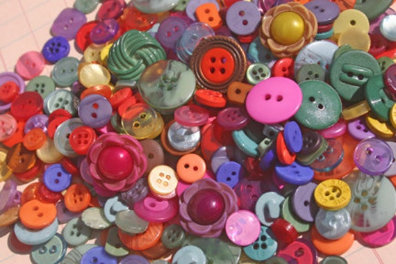 Assorted Buttons Hand Dyed - Blue Aqua Orange Red Yellow Purple - Sewing Embellishments - 125 Buttons - Primavera - LAST PACK