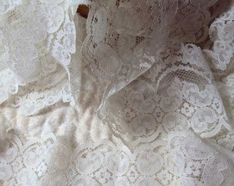 Double White Scalloped Lace Trim 10 Yards