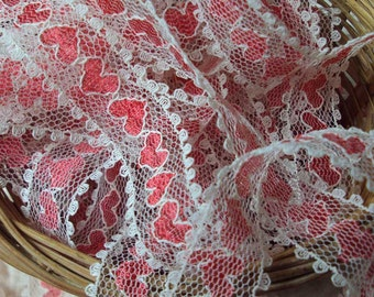 Red Hearts on White Scalloped Lace Trim 10 Yards
