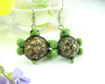 Black and Green Turtle Earrings, turtle jewelry gifts sea creatures miniature animal polymer clay cute turtle costume womens gift for her