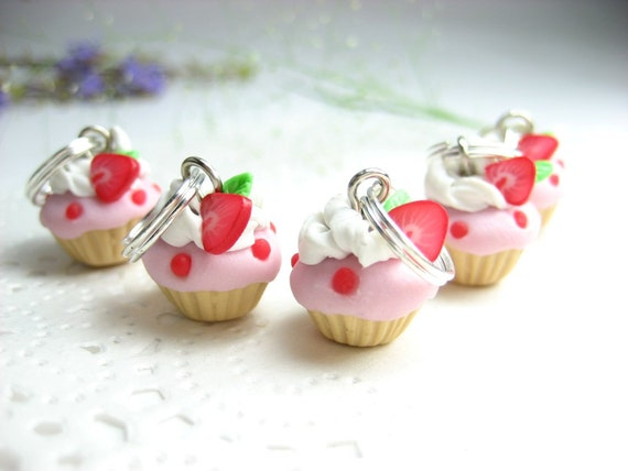 Mini Strawberry Cupcake Stitch markers 5x fruit polymer clay knit knitting accessories charms food gifts for her knitters womens gifts pink