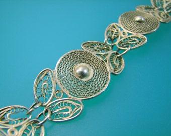 Silver Filigree Circle Flower and Leaf Bracelet