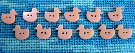 12 Peachy Pink Just Ducky Buttons