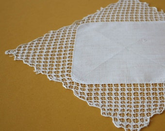 Elegant Vintage Handkerchief with Scalloped Edges