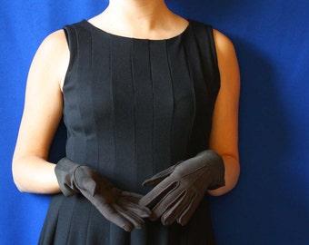 Elegant Russell Gloves in Dark Brown