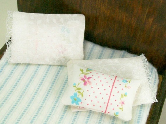 Dollhouse Miniature Bed Pillows Pair Pillow Cases One Inch Scale