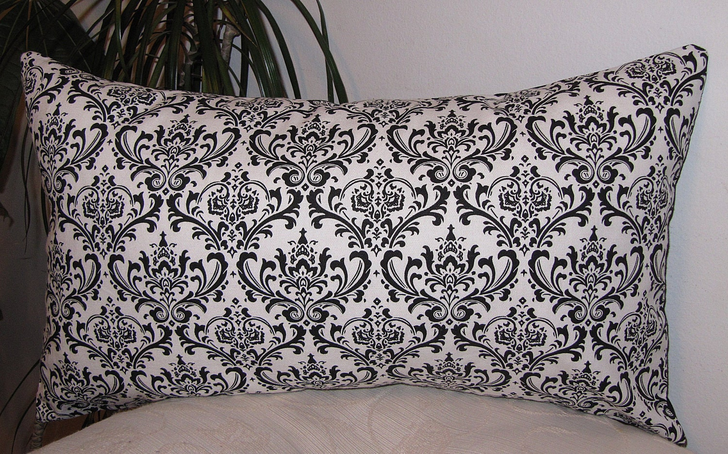 damask black and white decorative pillow cover lumbar. Black Bedroom Furniture Sets. Home Design Ideas
