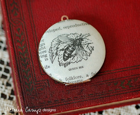 Queen Bee Locket Necklace, Vintage Dictionary Illustration - Vintage Locket - Brass Chain - Ready to Ship