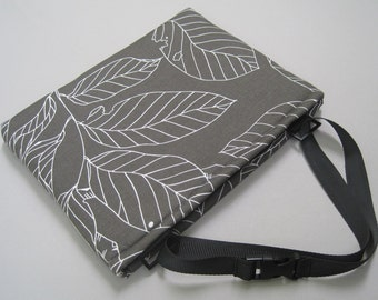 laptop bag, Ultrabook case, for 11 inch MacBook Air and more. Cotton/Padded. Leaf