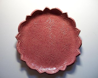 Victorian Scalloped Rose Plate