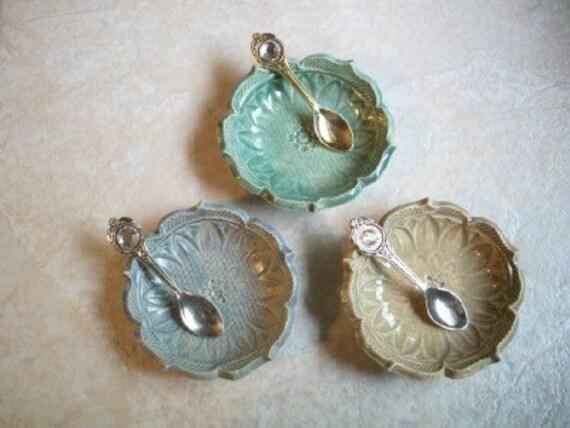 Set of 3 Starburst Lotus Bowls with Spoons