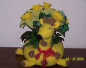 Giraffe Crocheted Plant Holder Filled with Silk Flowers or Candle - Decoration - Toy